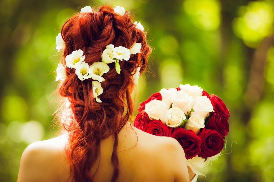 10 Envious Bridal Curls for Your Wedding Day