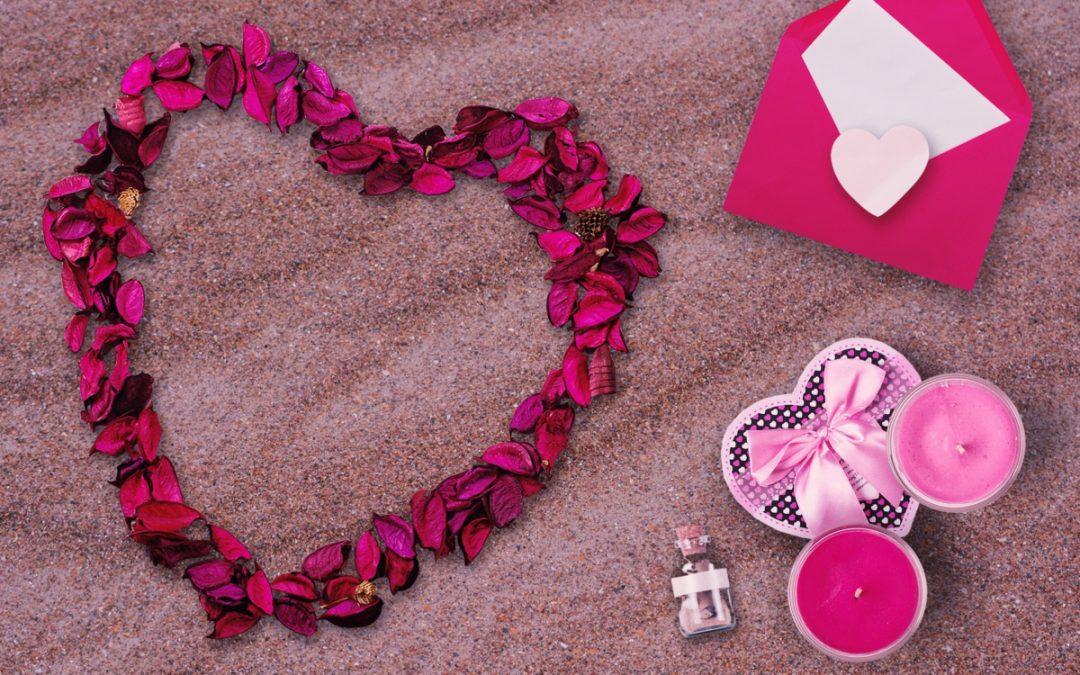 10 Beautiful Budget-Friendly Lesbian Wedding Anniversary Gifts