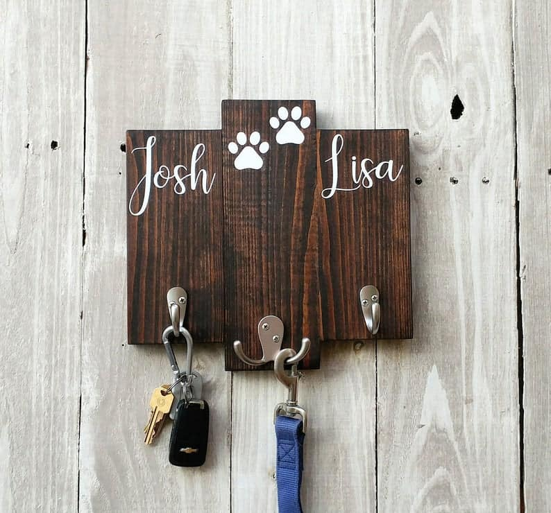 Personalized key holder for wall