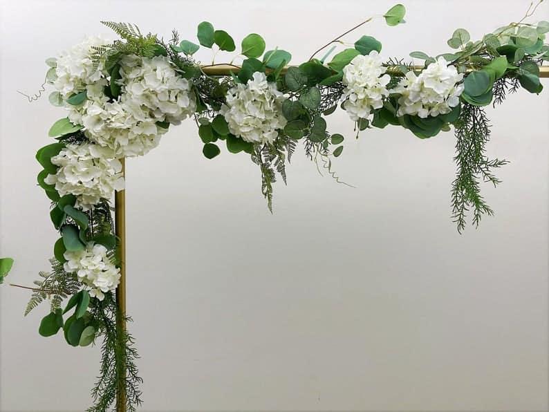 The traditional Hydrangea garland