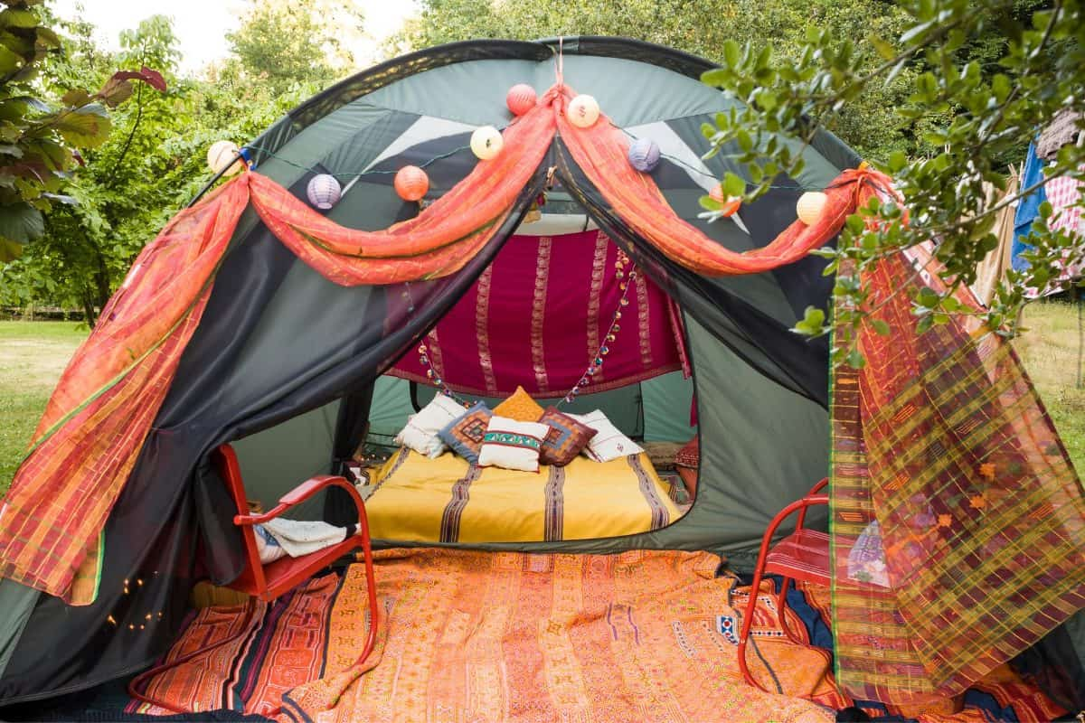 Glamping in the fall, one of our favorite Lesbian Bachelorette and Bridal Shower Party Ideas for Fall