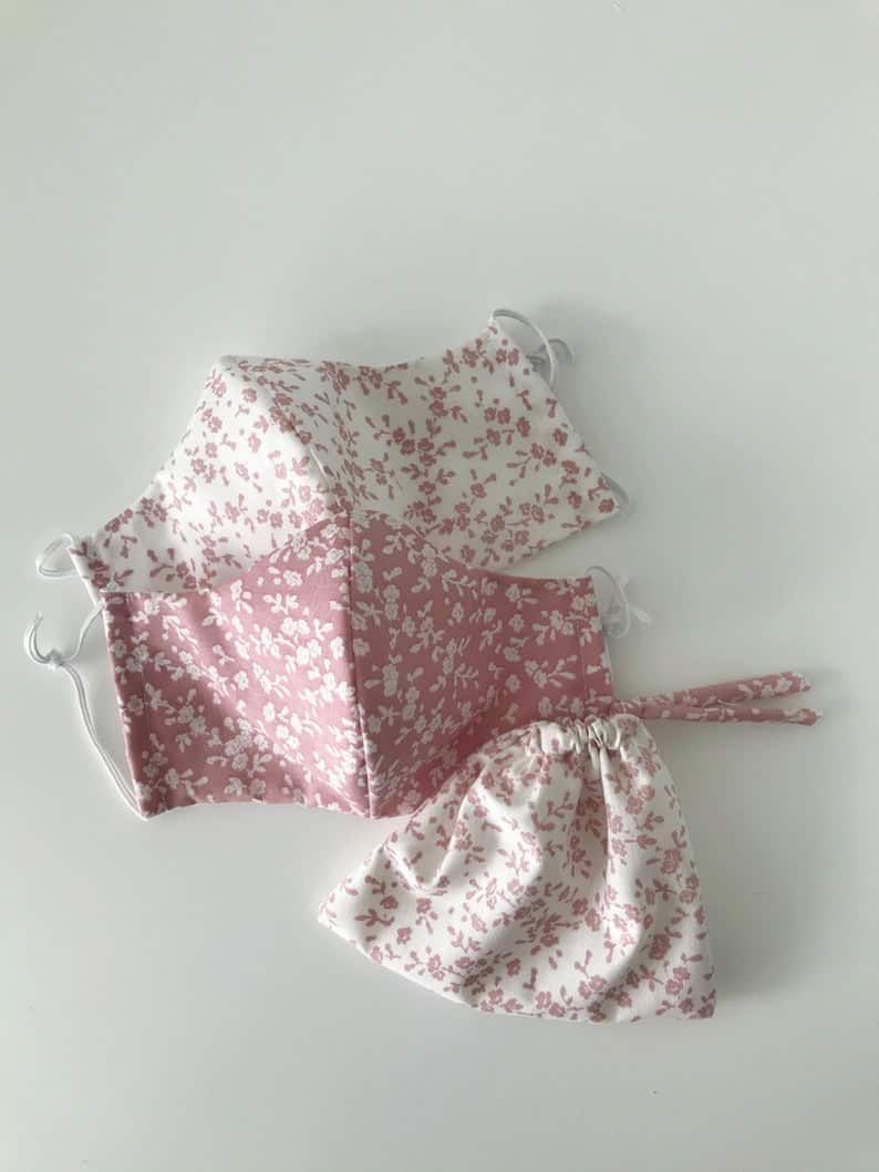 Cute vintage face mask in pink and white