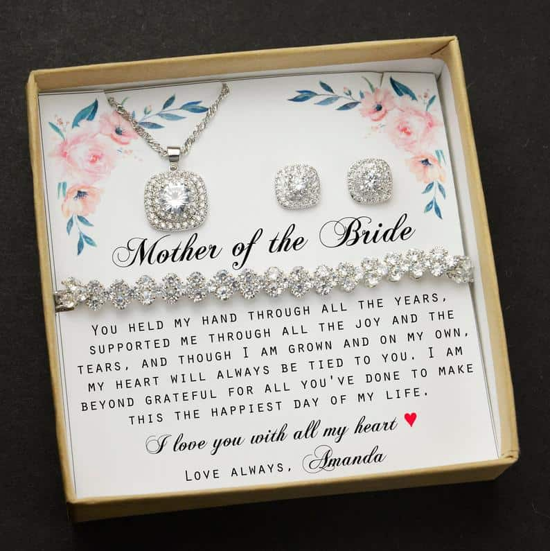 This image has an empty alt attribute; its file name is mother-of-the-bride-jewelry-gift-set.jpg
