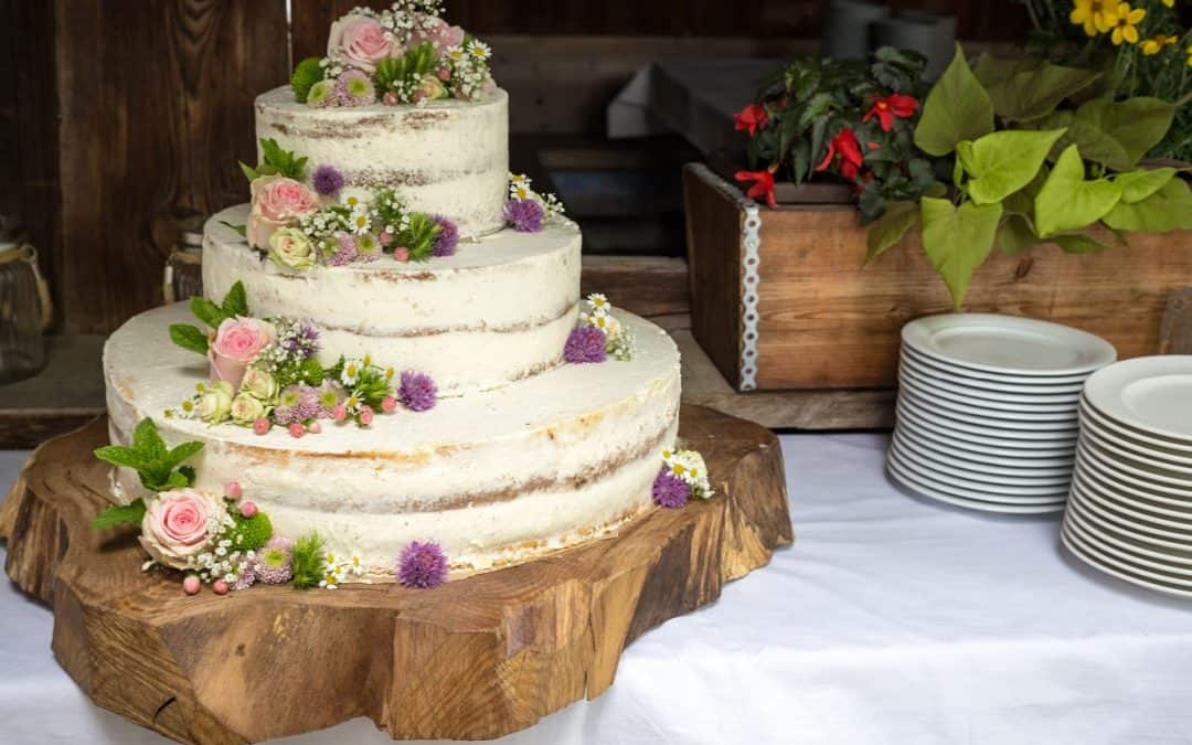 Ultimate List of Rustic-Themed Wedding Ideas for Same-Sex Couples