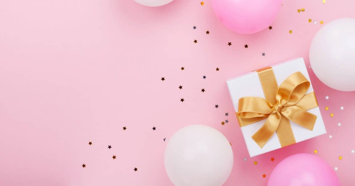 Looking for the perfect virtual bridal shower gifts for the bride? We've got you covered! Check out 10 that she'll absolutely adore!