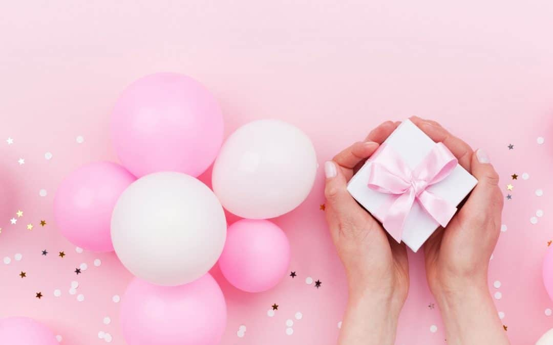 10 Amazing Virtual Bridal Shower Gifts for the Bride