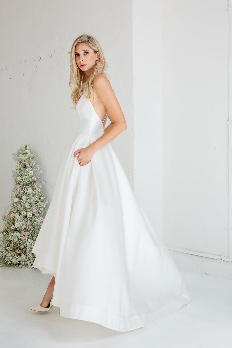 Minimalist Minimony Wedding Dress