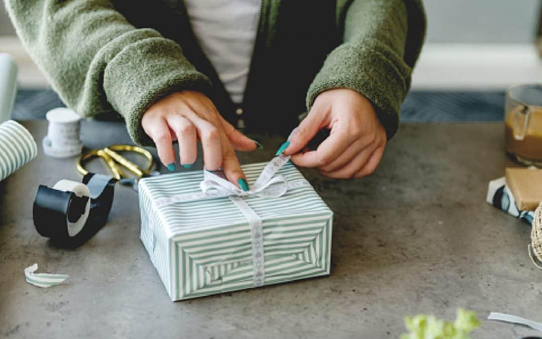 9 Sentimental Virtual Wedding Gift Ideas Every Couple Will Love