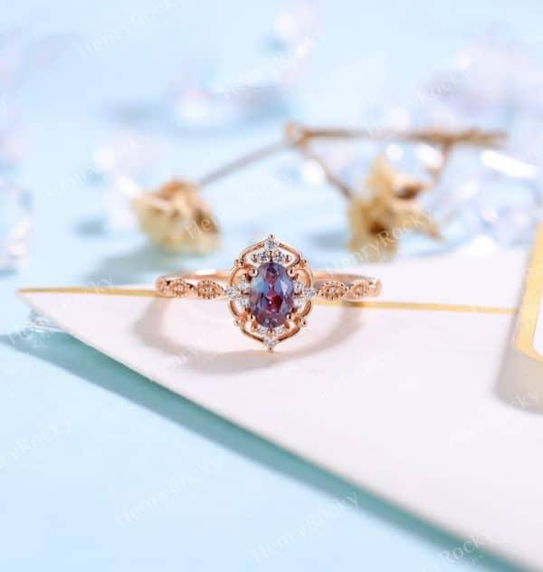 Vintage Alexandrite Engagement Ring Rose Gold wedding Ring | Antique Oval cut Bridal ring| Art deco Halo Ring Milgrain | Anniversary ring
