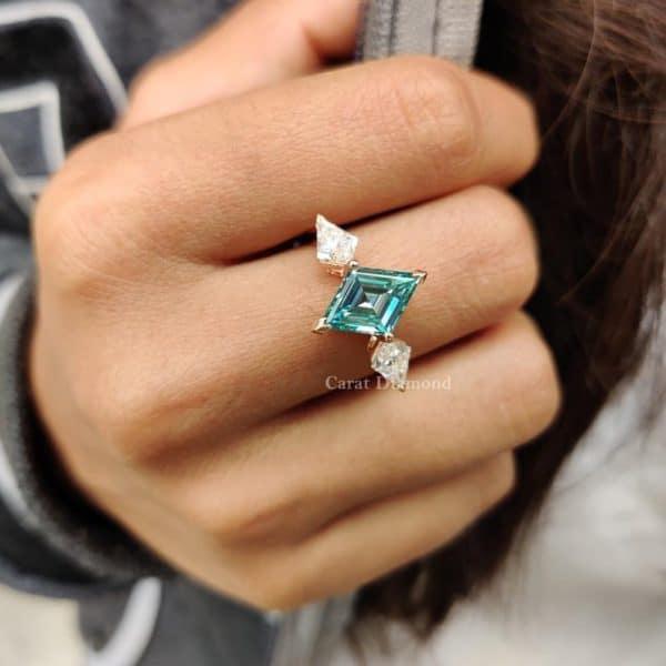 Elegant Three-Stone Kite Cut Engagement Ring | 2.54 CT Lozenge Cut Cyan Blue Moissanite Wedding Ring | Bridal Ring Set | Anniversary Gifts