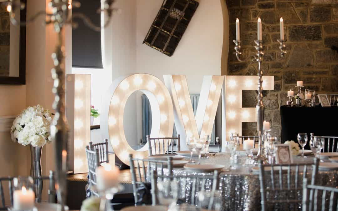 9 Stylish Indoor Wedding Decoration Ideas You'll Fall Madly In Love With