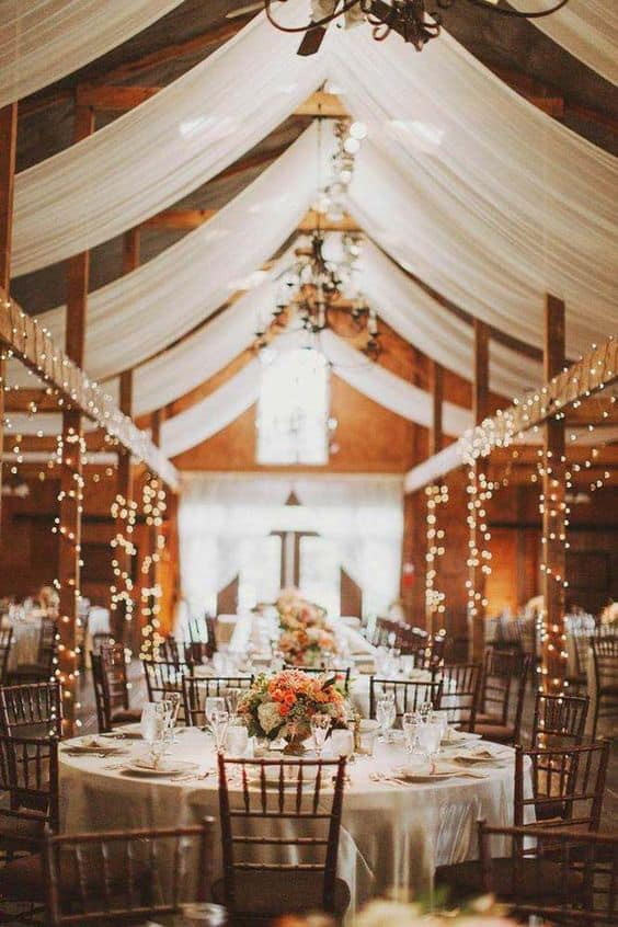 barn rustic wedding decor