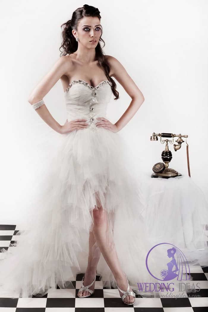 Hi-low wedding dress with sweetheart necklace