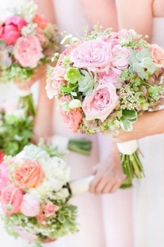 Small but romantic bouquets made beautiful green flowers and large pink flowers