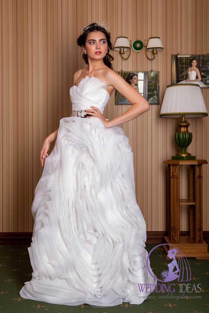 Layered satin wedding dress, different than whole what you was seen