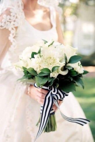 Salal leaves - leaves; Dhalia - white flowers;