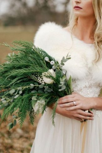 Thuja - bouquet in the bouquet, Eucalyptus - silvery leaves in the bouquet, rose - white flowers;
