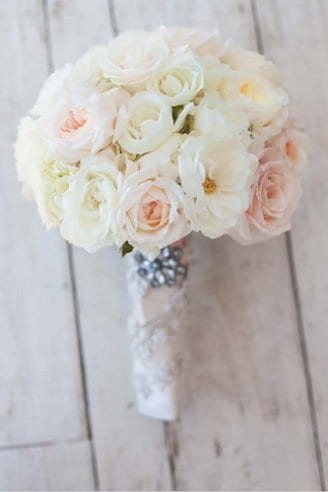 A beautiful bouquet consisting of white and pink flowers