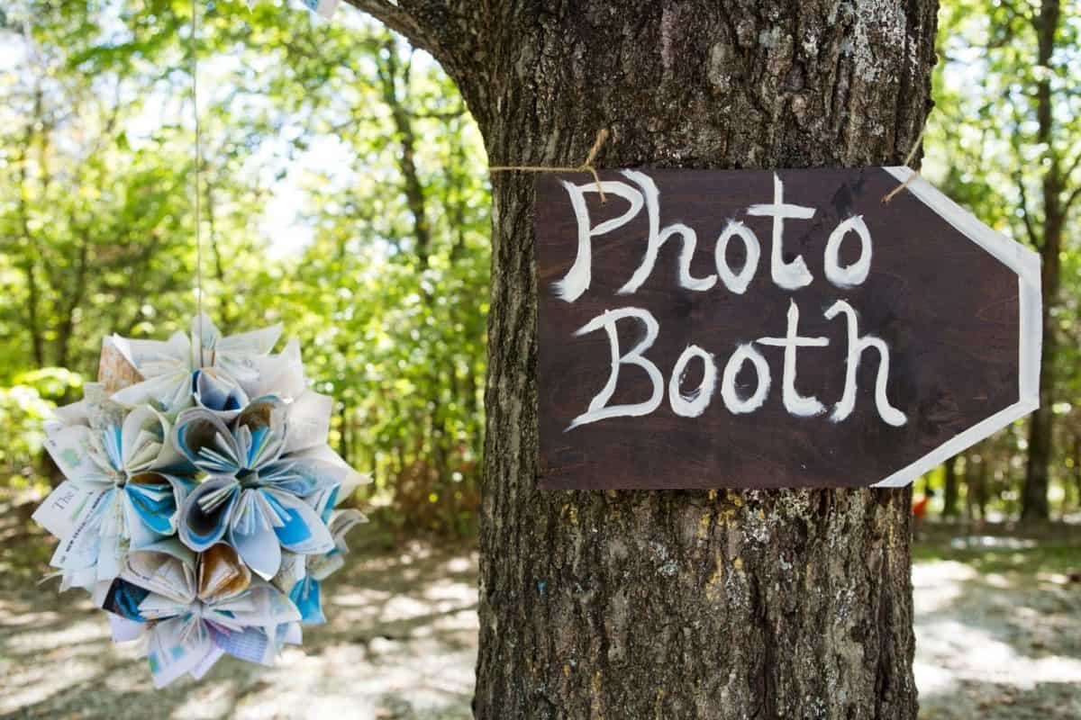 photo booth as an alternative for a wedding without dancing