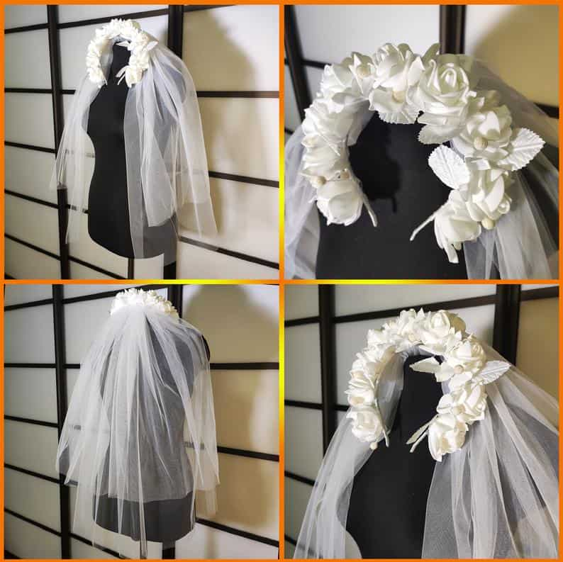 Bachelorette party veil with roses