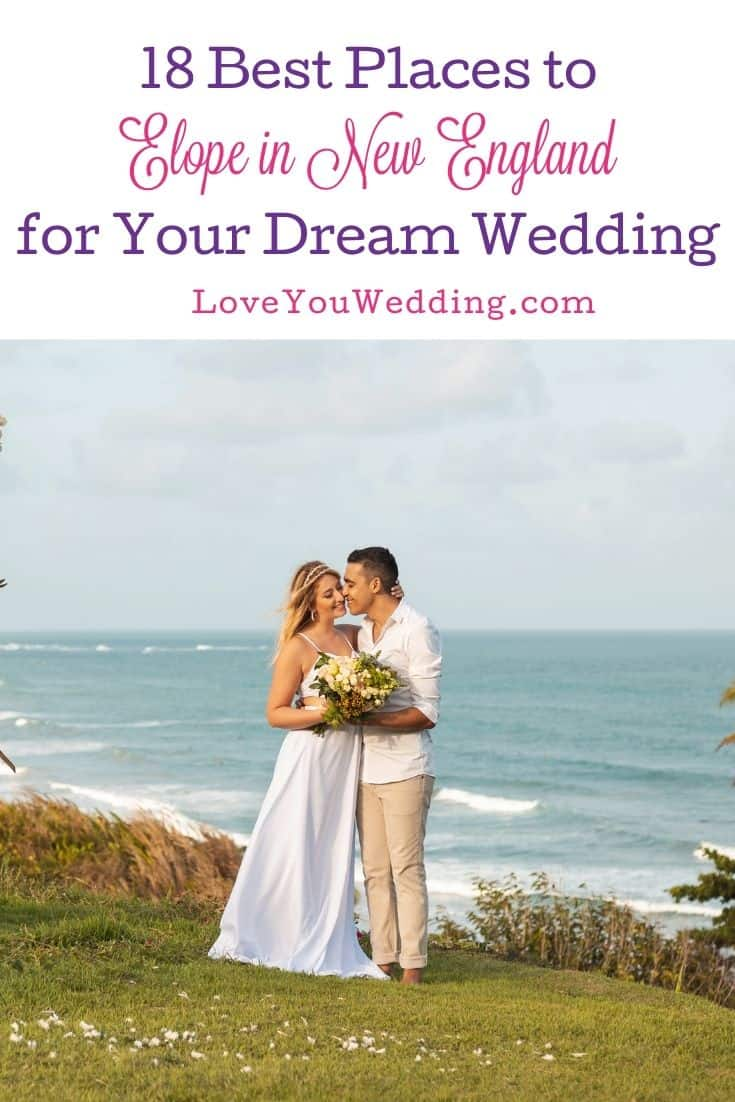 bride and groom holding a bouquet with a beautiful sea background