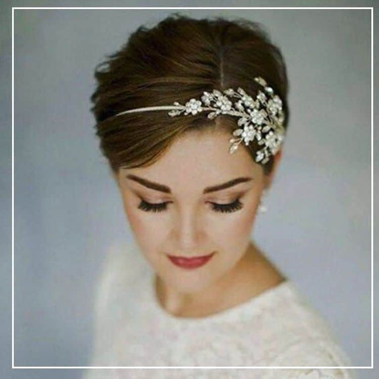 bride with pixie cut wedding hairstyles