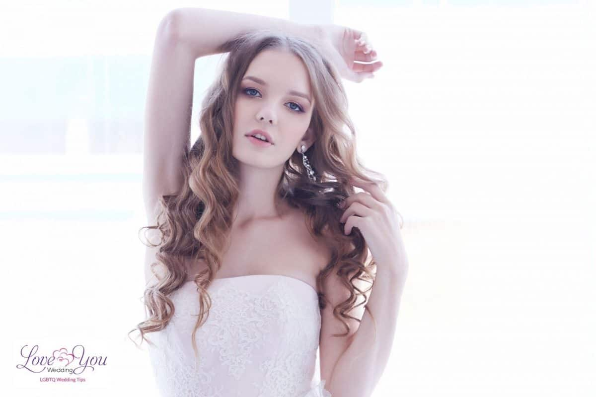 bride with long waves hair