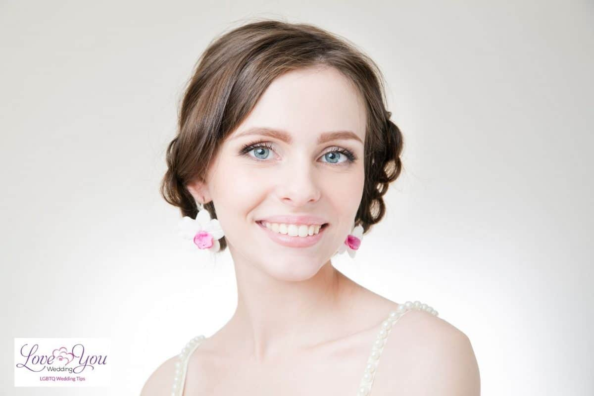 bride with short curly hair